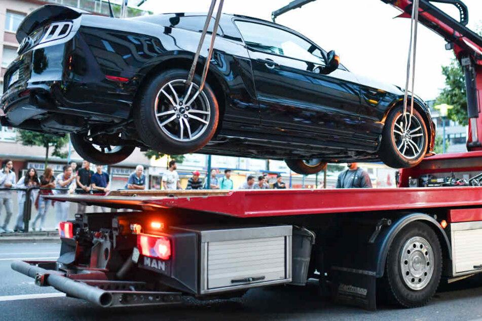 Dauerparker können in Bremen bald ohne Ankündigung abgeschleppt werden. (Symbolbild)