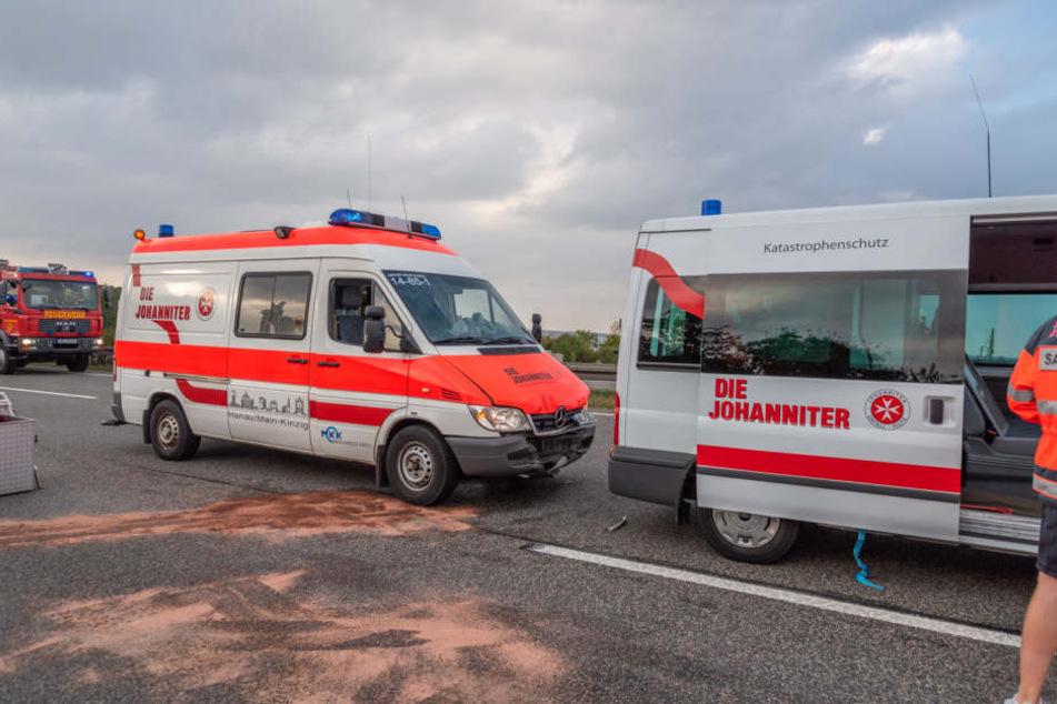 Zwei Autos der Johanniter waren auch in den Unfall verwickelt.