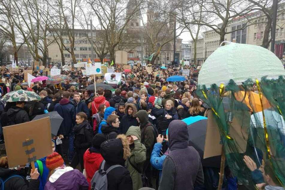 Riesige Fridays for Future Demo in Köln