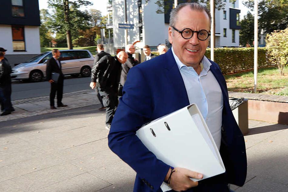 Insolvenzverwalter Klaus Siemon (59) hat zusammen mit einem Investor die Chemnitzer FC Fußball GmbH gegründet.