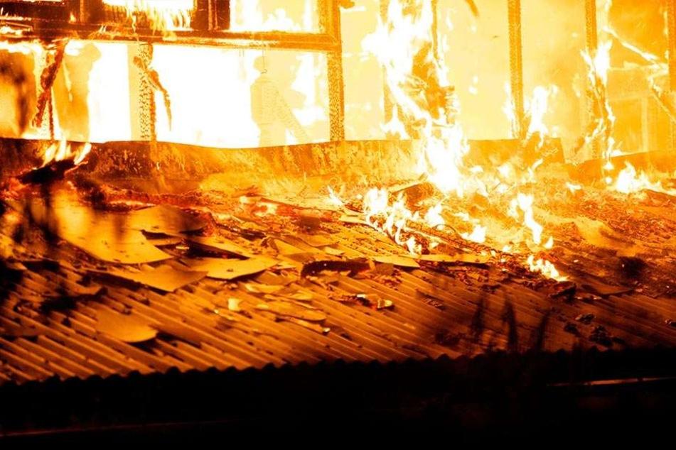 Über die Höhe des Schadens und die Brandursache ist noch nichts bekannt. (Symbolbild)