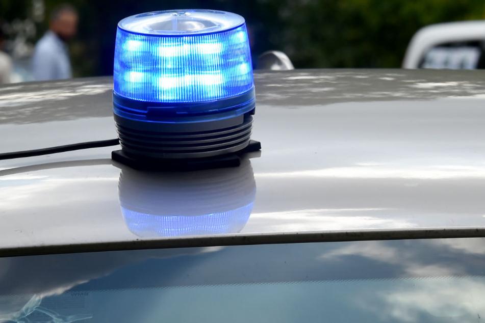Die Polizei ermittelt im Fall der gefundenen Wasserleiche und will Donnerstag weitere Informationen veröffentlichen (Symbolbild).