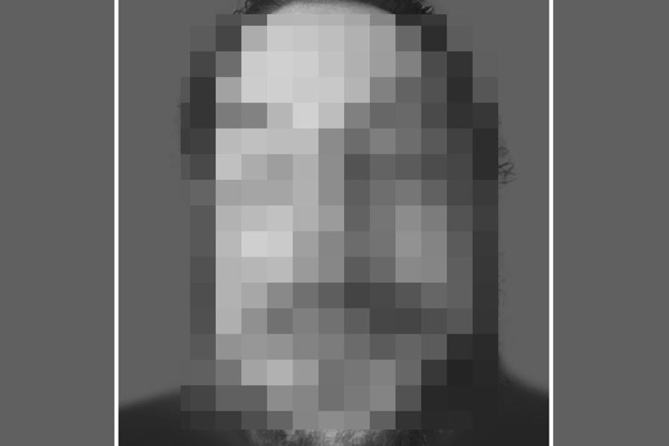 Da der Tote identifiziert wurde, zeigt TAG24 ihn verpixelt.