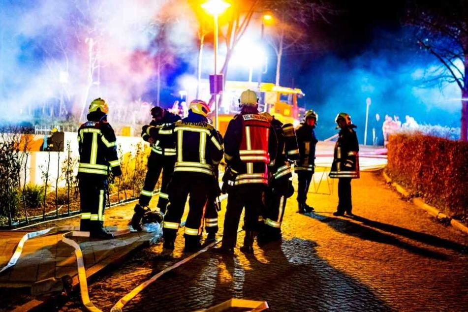 Über zwei Stunden war die Feuerwehr Potsdam im Einsatz.