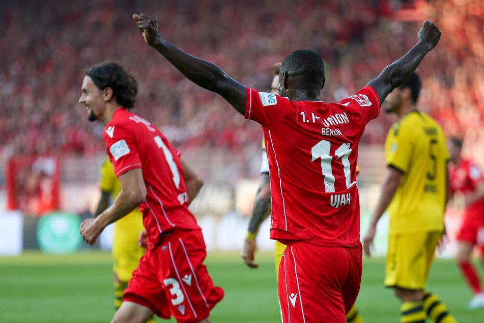 Bülter machts, Ujah jubelt: Der 1. FC Union feiert die erste Führung der Bundesliga-Geschichte.