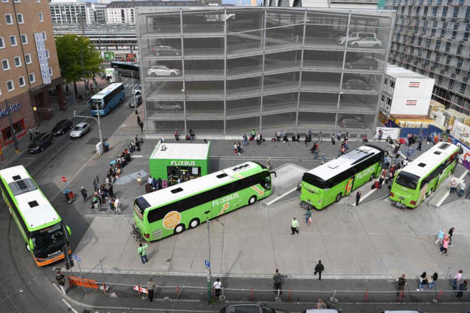 Noch ein Provisorium, ab 2019 dann voll in Betrieb: Der Frankfurter Fernbusbahnhof.