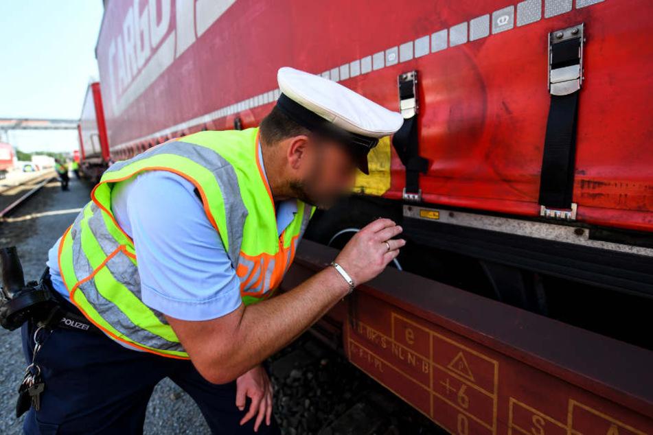 Schwangere schmuggelt sich in Güterzug nach Deutschland