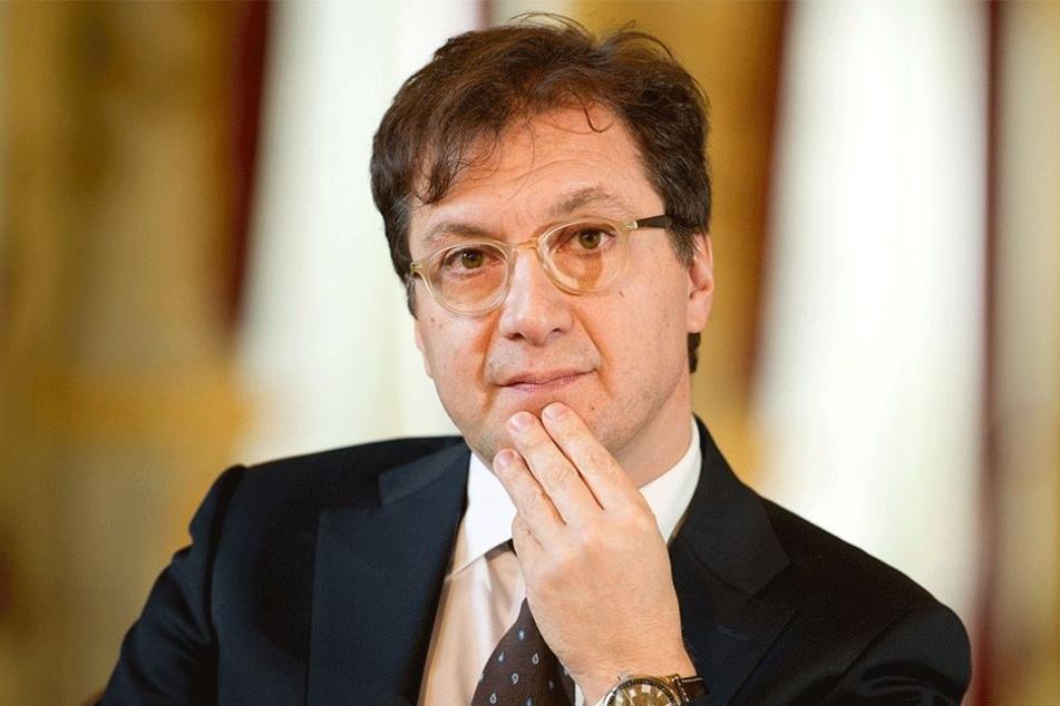 Serge Dorny (56).
