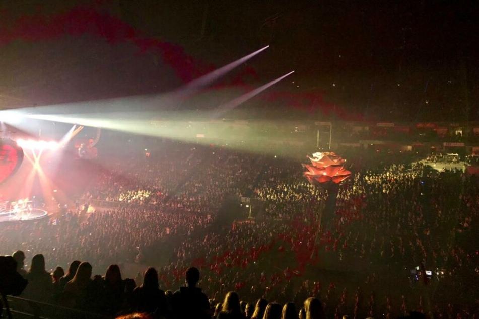 Die Kölner Lanxess-Arena war beim Konzert von Shawn Mendes am Montagabend richtig voll.