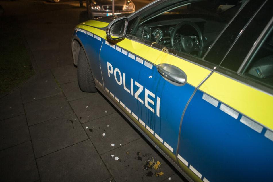 Angriff auf Polizisten: Plötzlich fliegen Eier!
