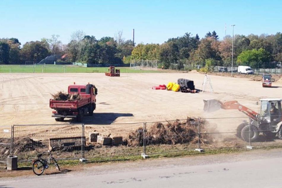 Bei bestem September-Wetter laufen die Bauarbeiten an dem neuen Trainingsplatz nach Plan.