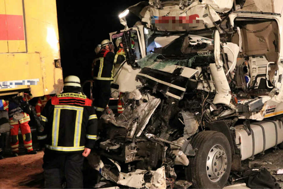 Zwei Menschen starben bei den Unfällen am Mittwochabend auf der A3.
