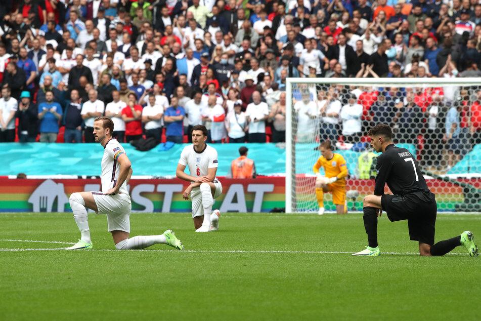 Kreuter begrüßt den Kniefall der deutschen und englischen Nationalmannschaft vom Dienstagabend.