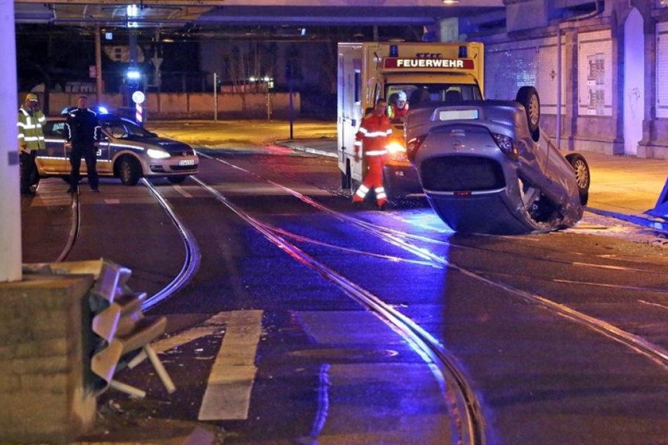 Opelfahrer verunglückt am Neustädter Bahnhof