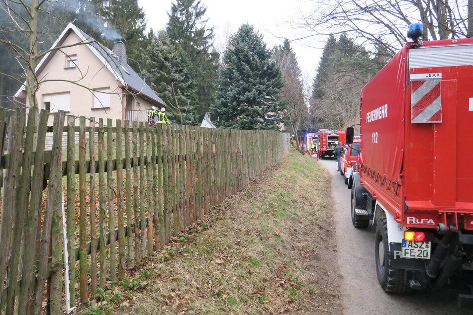 Verstopfter Schornstein und Kellerbrand: Feuerwehreinsätze im Erzgebirge