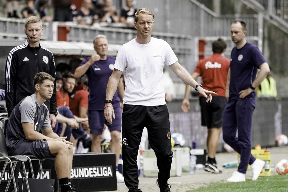 St.-Pauli-Trainer Timo Schultz (43) war mit der Leistung seiner Mannschaft zufrieden.