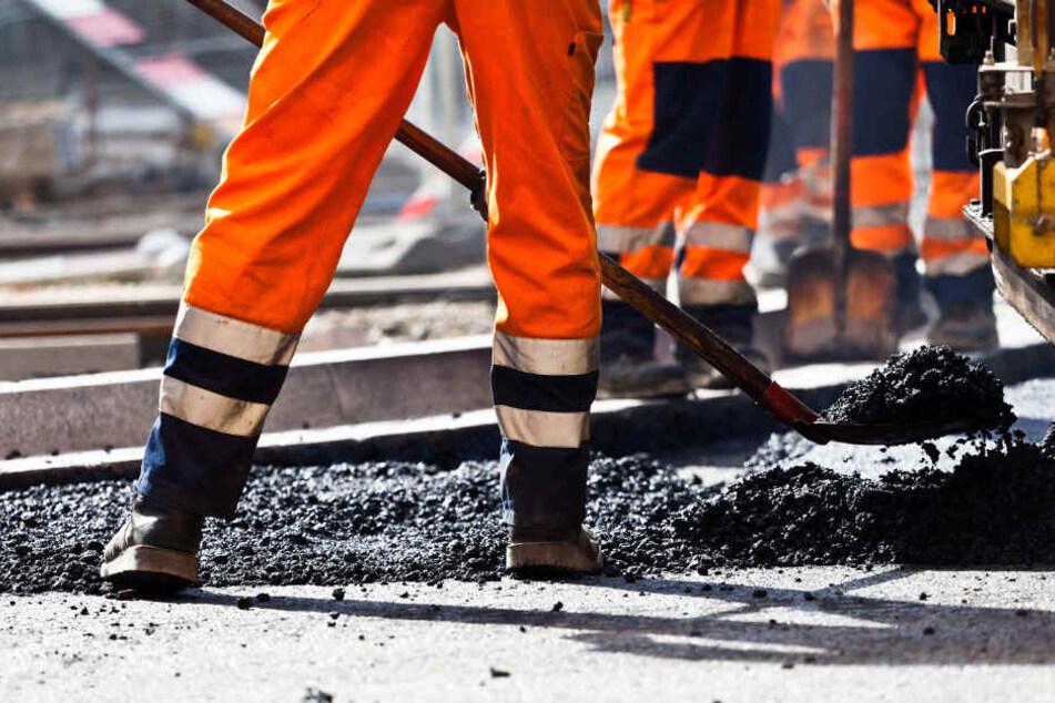 An mehreren Straßen kommt es zu Bauarbeiten. (Symbolbild)