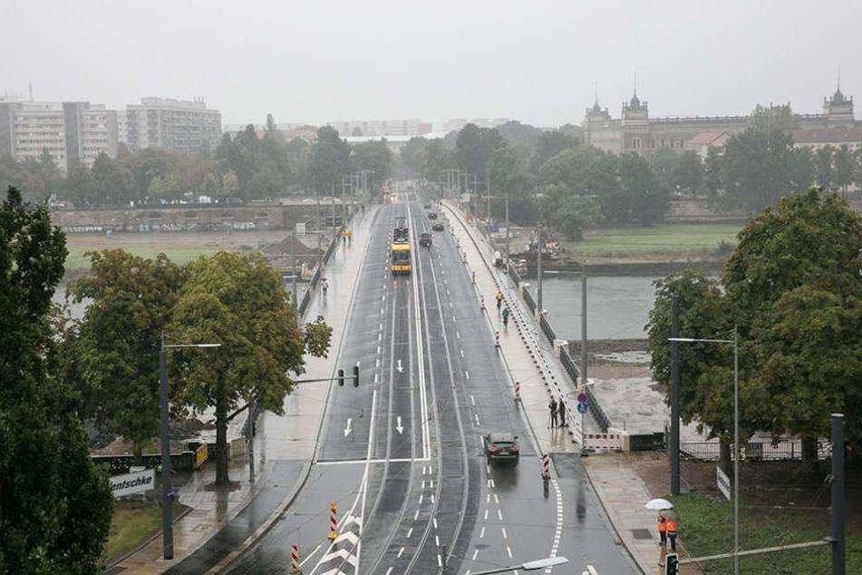 Die Albertbrücke hat auch nach zwei Jahren Bauzeit noch mit einigen Tücken zu kämpfen.