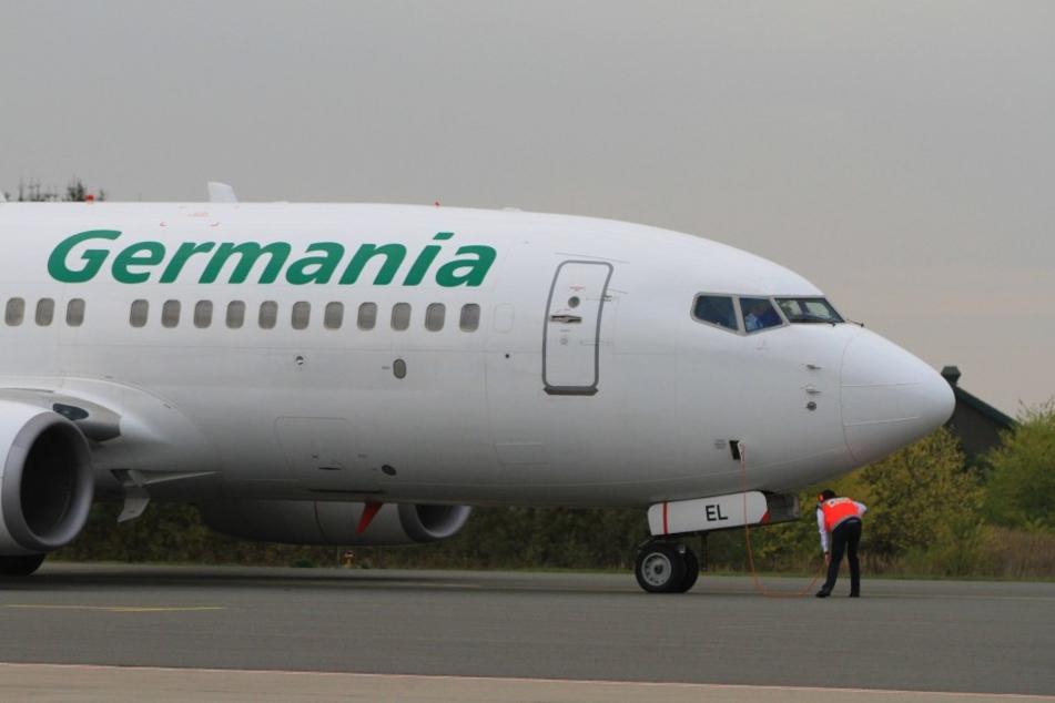 Beim Landeanflug auf Antalya schlug der Blitz in die Germania-Maschine ein, in der die Mannschaft von Rot-Weiß Erfurt saß (Symbolbild).