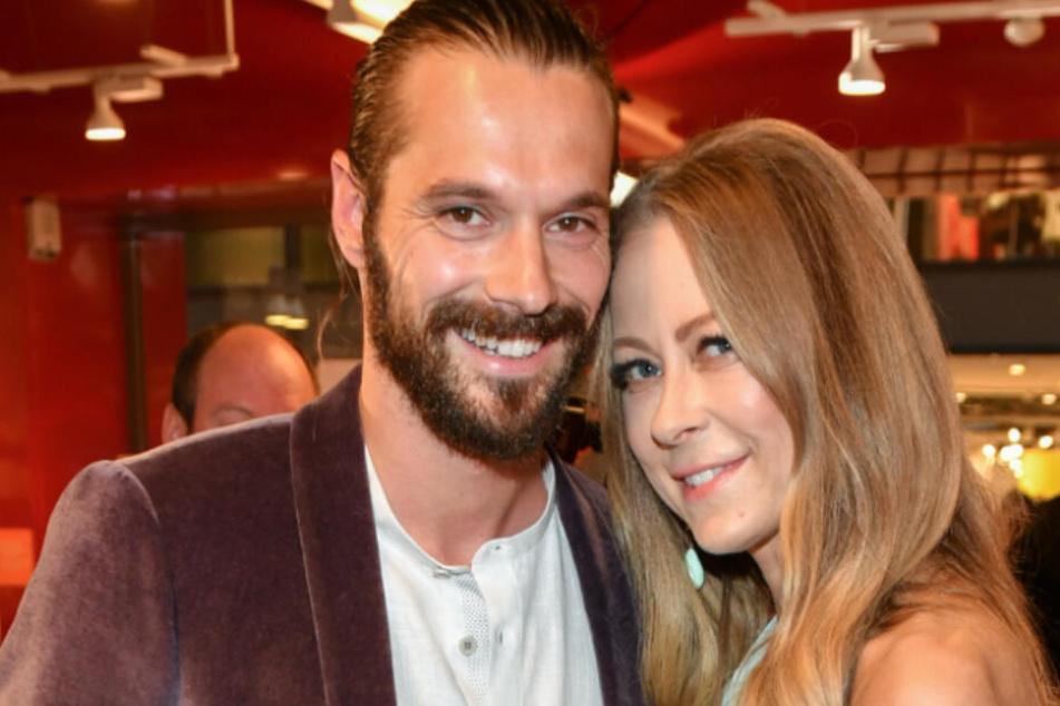 Die Schauspielerin Jenny Elvers und ihr neuer Freund Simon Lorinser bei einem Late Night Shopping Event.