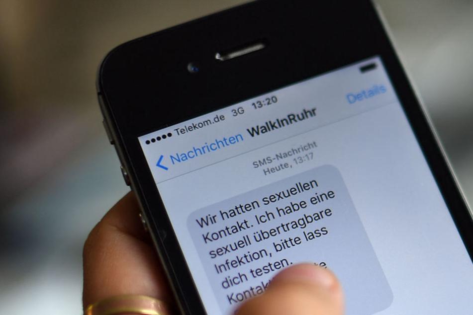 Um das peinliche Gespräch zu umgehen, kann man diese SMS verschicken lassen.