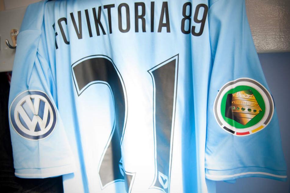 Der letzte Auftritt der Himmelblauen im DFB-Pokal liegt fünf Jahre zurück. In der ersten Runde traf Viktoria auf Eintracht Frankfurt und schied nach einer 0:2-Niederlage aus.
