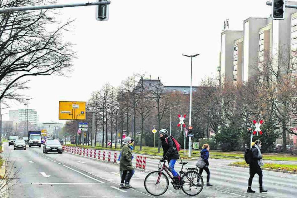 Nix mit neuem Radweg! Albertstraße bleibt vierspurig