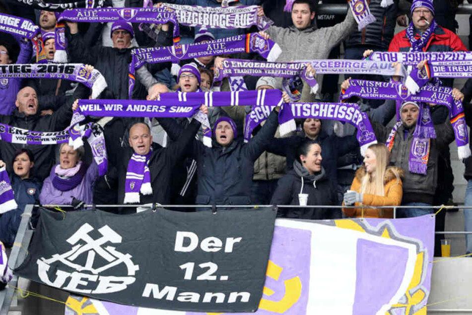 Der 12. Mann! Die Fans des FC Erzgebirge stehen auch in schwierigen Zeiten hinter der Mannschaft.