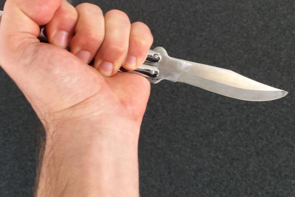 Der Täter nutzte ein Butterflymesser als Waffe (Archivbild).