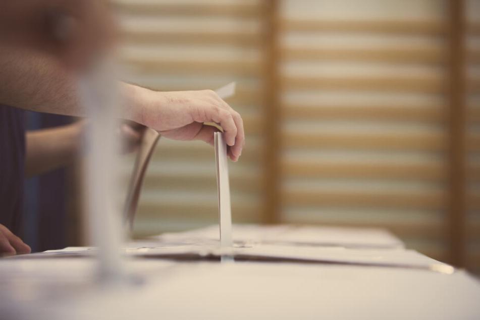 Eine Entscheidung im ersten Wahlgang gilt aktuell jedoch als unwahrscheinlich.