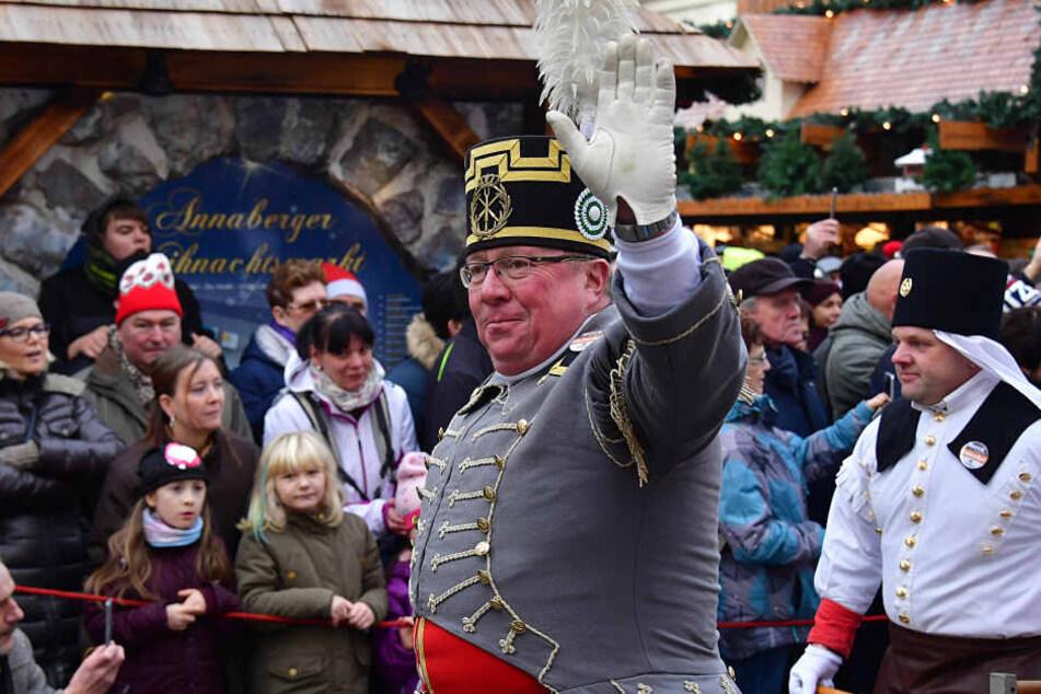 Viele Bergmannsvereine aus Sachsen und ganz Deutschland waren mit dabei. Die Abschlussbergparade ist die beeindruckendste im Erzgebirge zur Adventszeit.