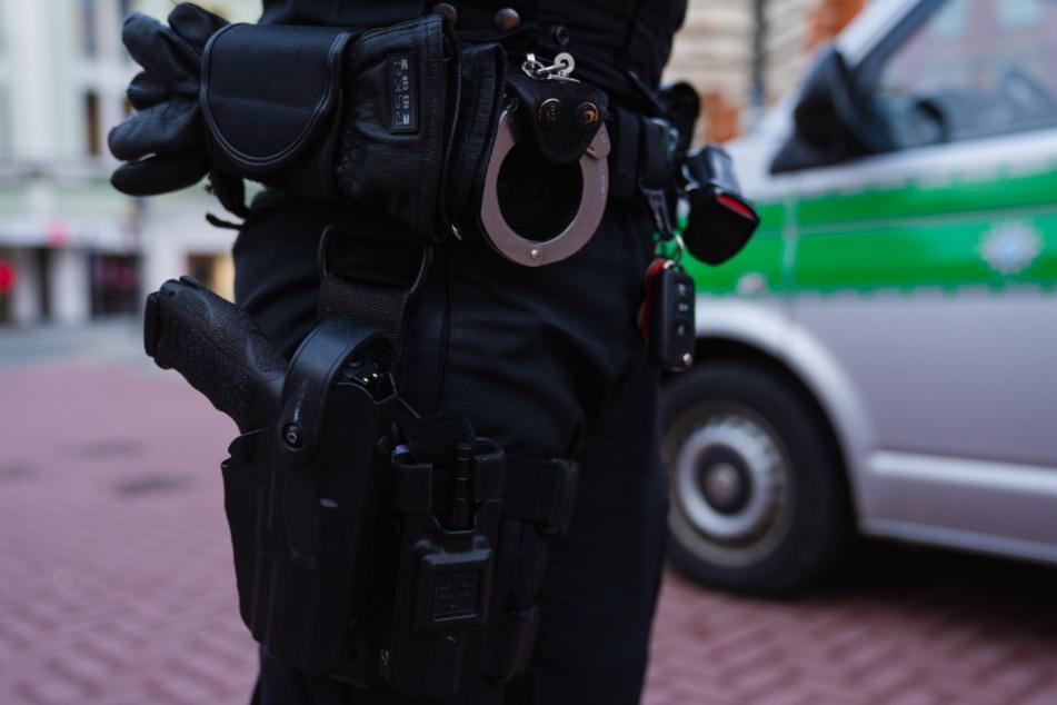 Die Polizei hatte am Wochenende mit zahlreichen Corona-Verstößen zu tun. (Symbolbild)