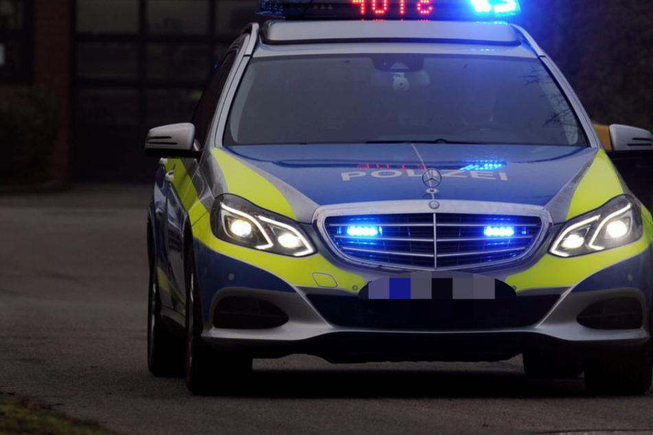 Schwerer Unfall auf A5: Auto überschlägt sich, fünf Verletzte