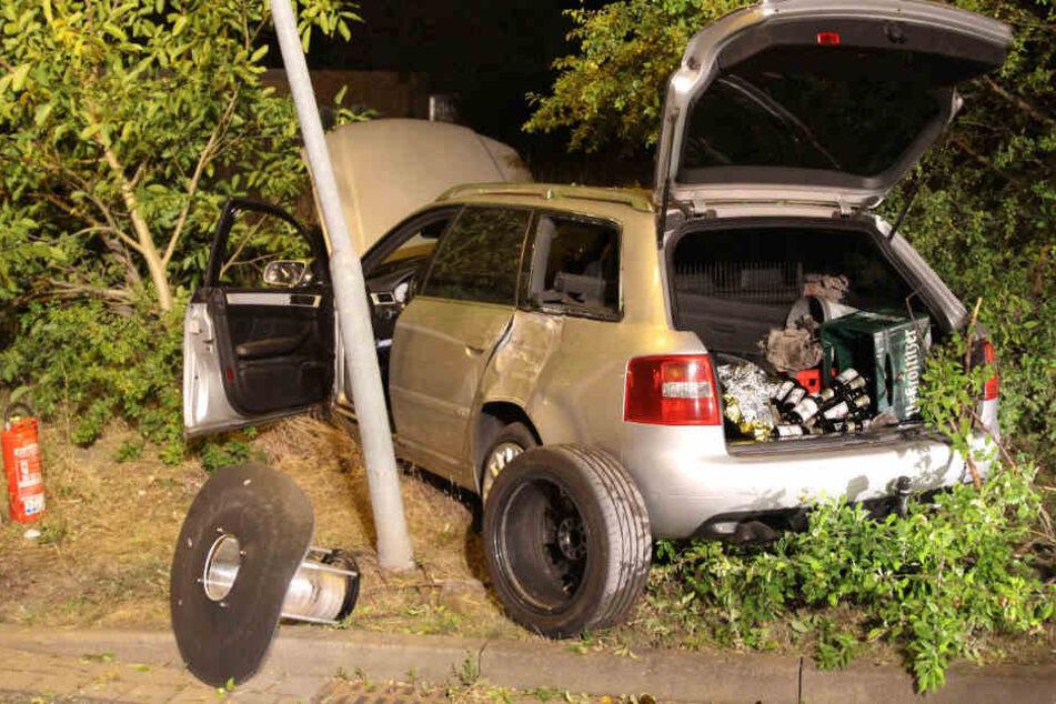 Betrunkener Leipziger (22) hebt mit Audi an Kreisverkehr ab