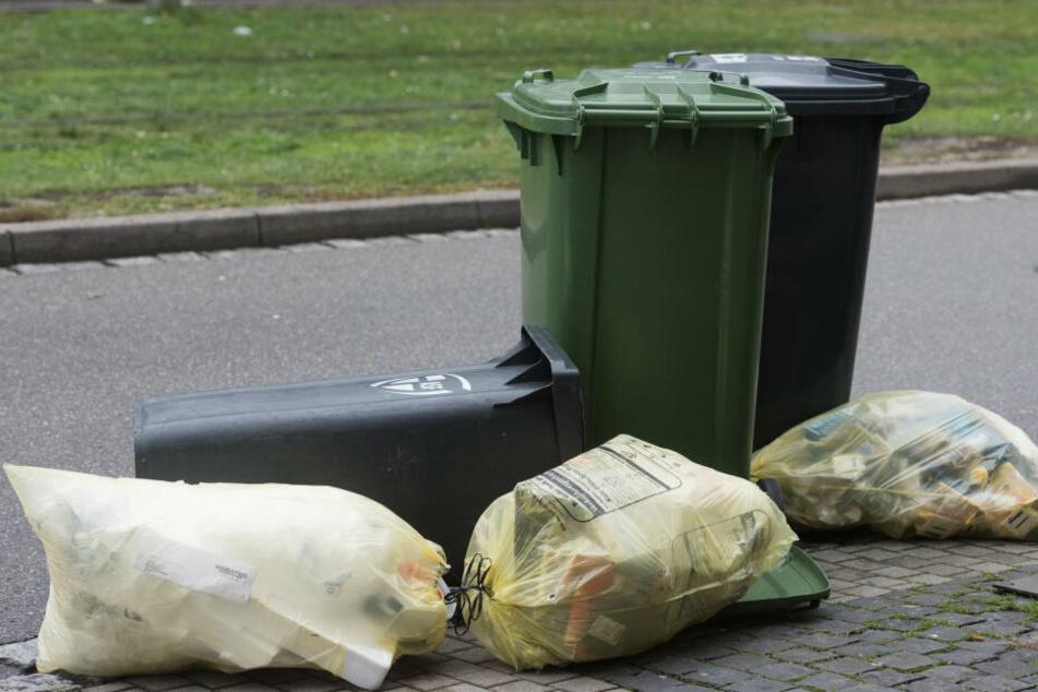 Wer in Bergisch-Gladbach wohnt, wird richtig zur Kasse gebeten für die Abfallgebühren.