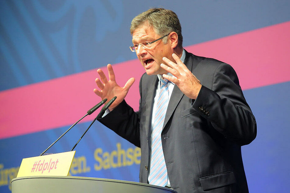Kritisiert die Verwaltung hart: FDP-Chef Holger Zastrow (50).