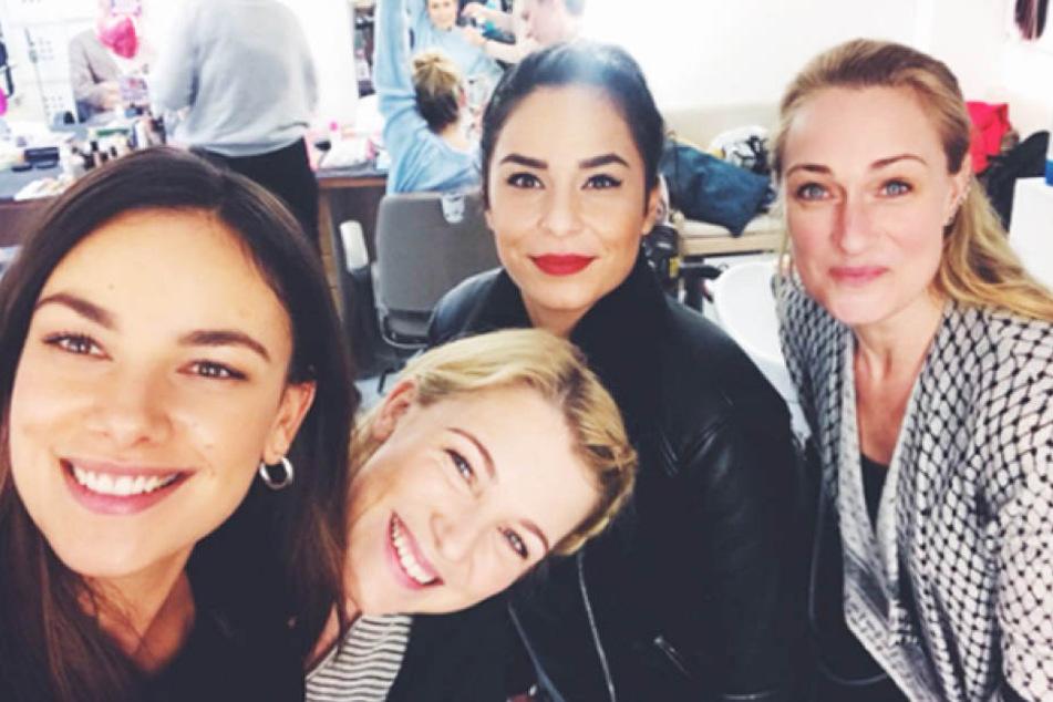 Janina Uhse (v.l.) mit ihren Ex-Kolleginnen Iris Mareike Steen (Lilly Seefeld), Gamze Senol (Shirin Akinci) und Eva Mona Rodekirchen (Maren Seefeld).