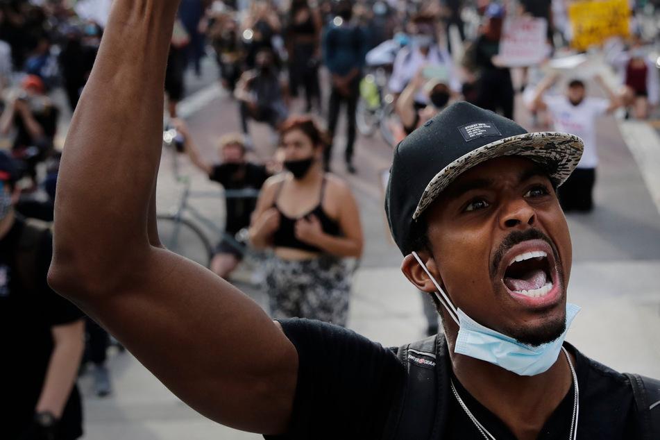 Rassisten geben sich als Antifa aus und stacheln zu Gewalttaten an