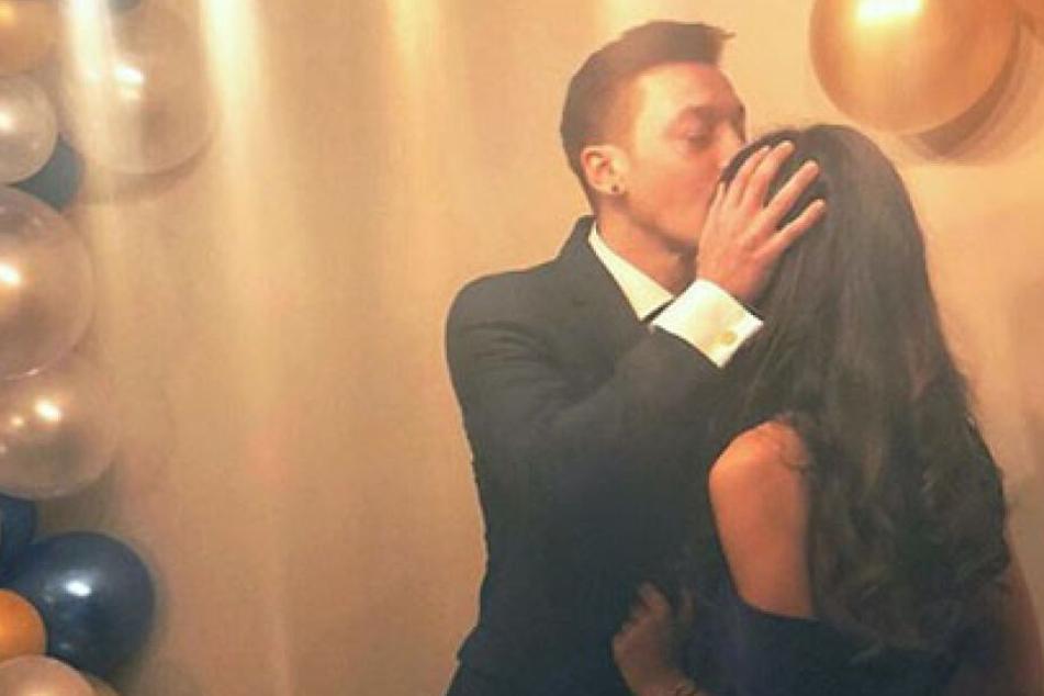 Vielsagender Post: Mesut Özil bald unter der Haube?