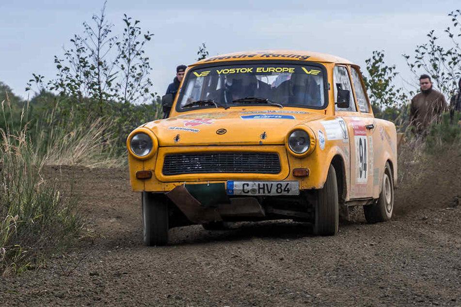 Die Chemnitzer Renn-Pappe flitzte im vergangenen Herbst schon bei der 300-Seen-Rallye im litauischen Zarasai mit.