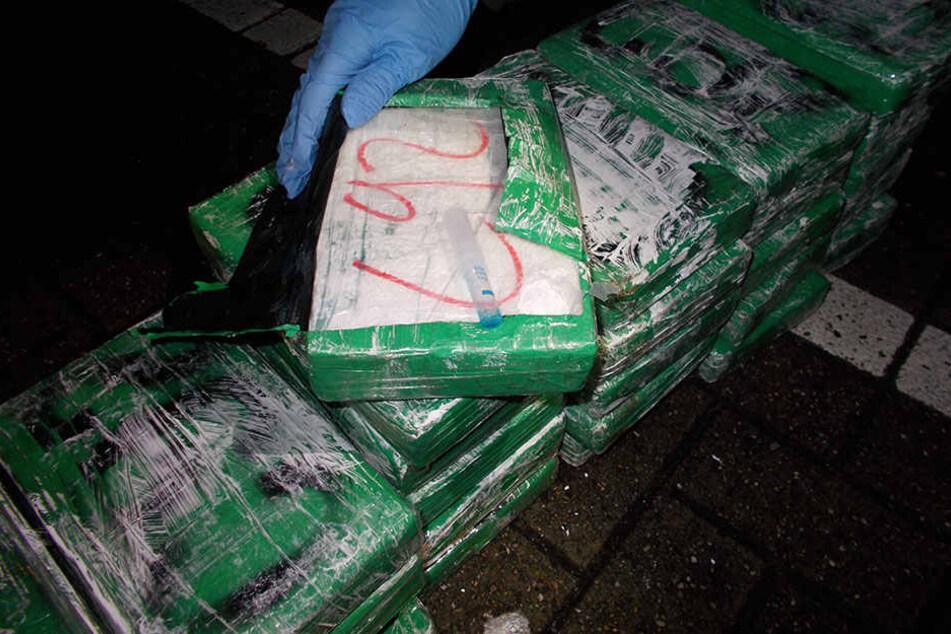 33 Kilogramm Kokain fand der Zoll aus Bielefeld. Das entspricht einen Wert von 2,5 Millionen Euro.