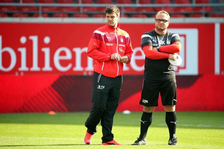 FSV-Coach Torsten Ziegner (l., mit Co-Trainer Danny König) sah in der Hinrunde Licht und Schatten, glaubt aber an den Zwickauer Klassenerhalt.
