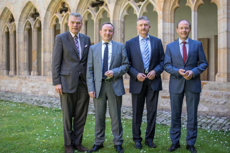 Beim Treffen im Augustinerkloster waren Holger Stahlknecht (CDU, Sachsen-Anhalt) Holger Poppenhäger (SPD, Thüringen), Karl-Heinz Schröter (SPD, Brandenburg) und Markus Ulbig (CDU, Sachsen, v.l.) dabei.