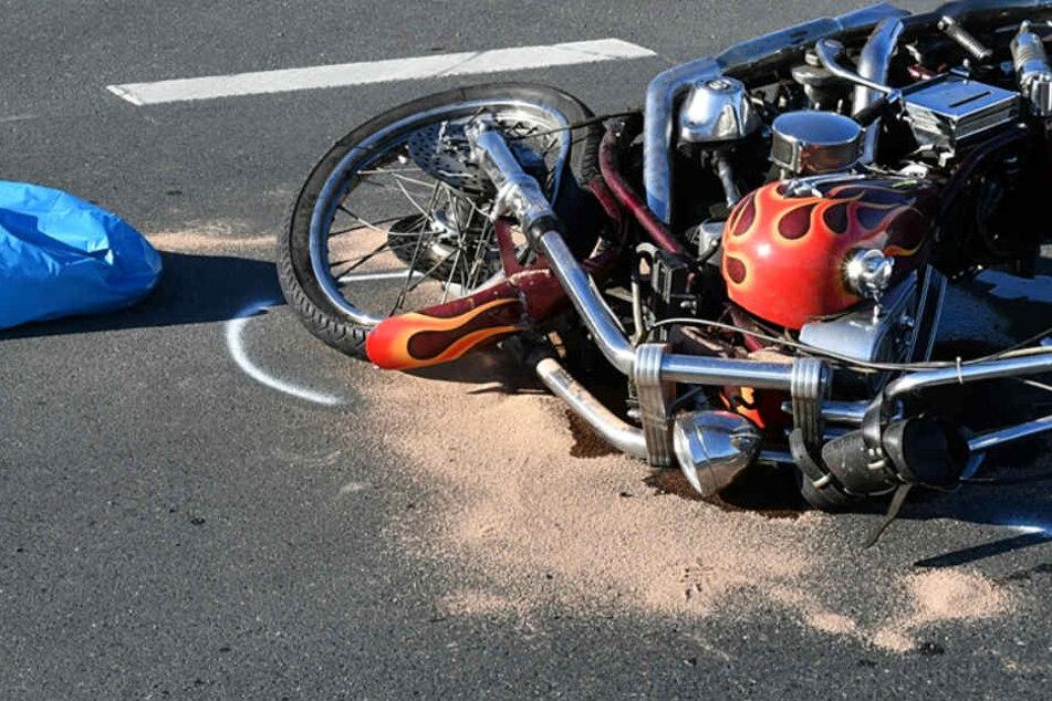 Harley-Davidson-Fahrer stirbt bei verhängnisvollem Unfall