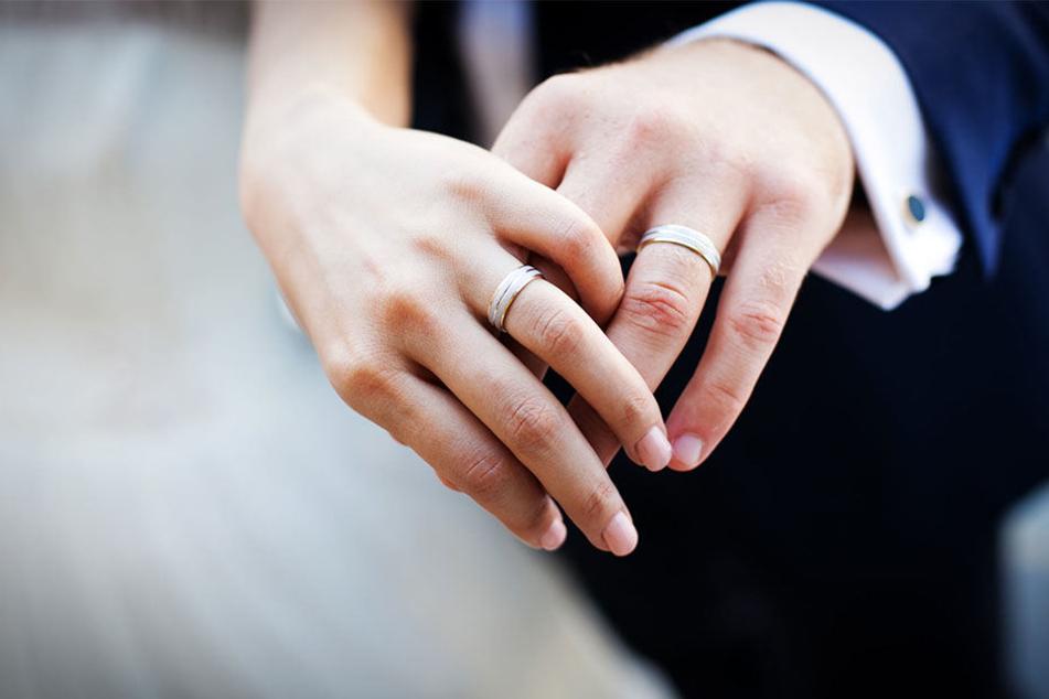 Seit 24 Jahren gab des noch nie so wenige Scheidungen in Berlin wie 2016. Ingesamt wurden 6253 Scheidungen eingereicht.