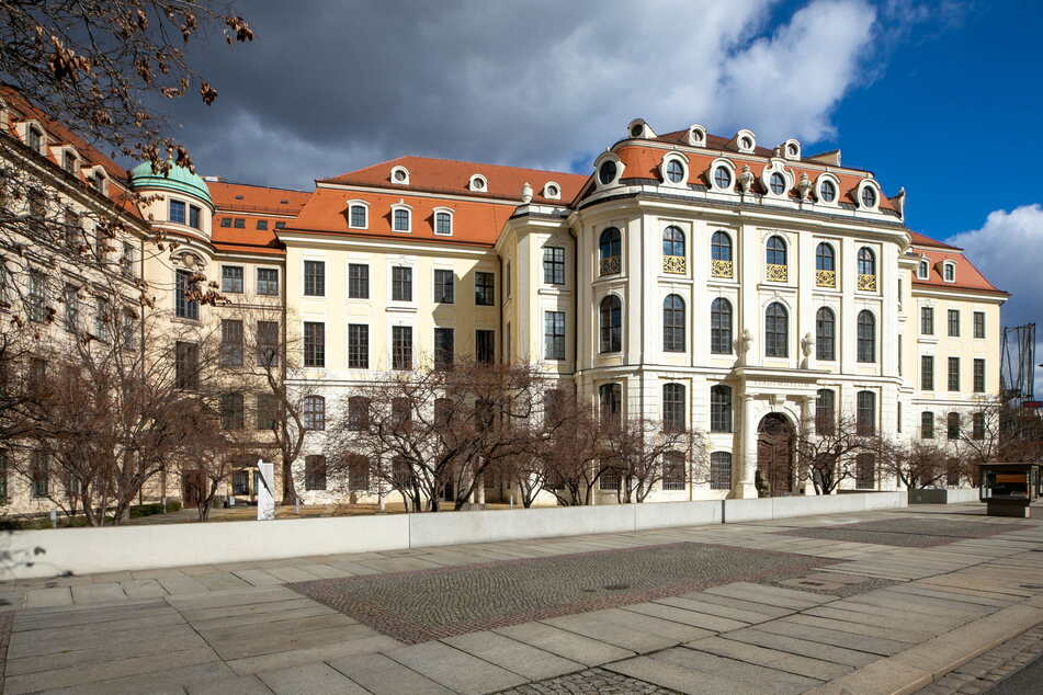 Zu früh gefreut: Die städtischen Museen - wie hier das Stadtmuseum auf der Wilsdruffer Straße 2 - bleiben in Dresden geschlossen.