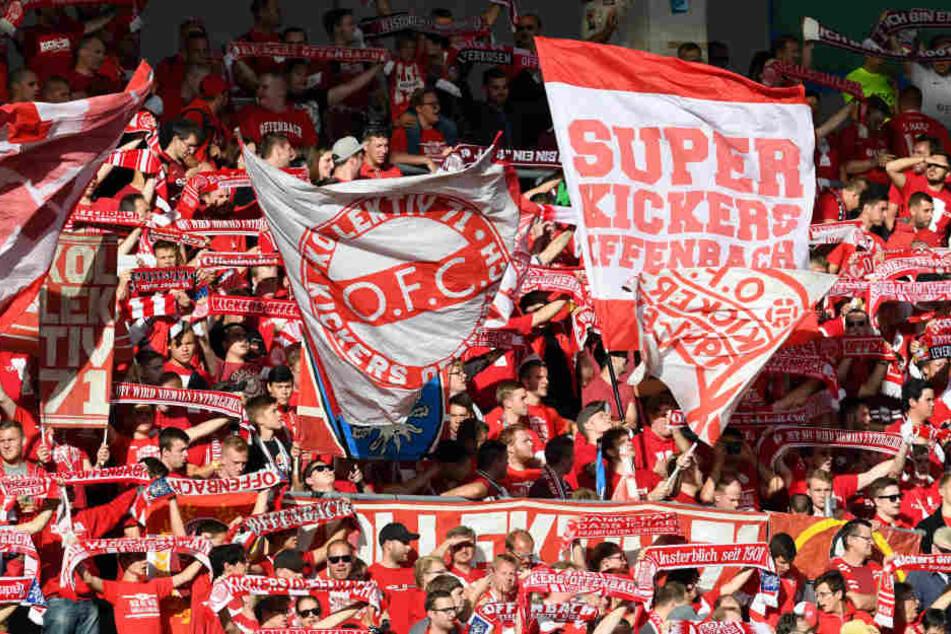 Retterspiel: Der FC Bayern greift Kickers Offenbach unter die Arme