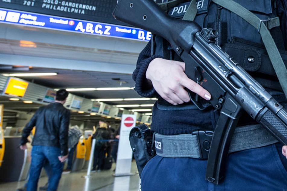 Beamte der Bundespolizei nahmen den Mann am Freitag fest (Symbolbild).