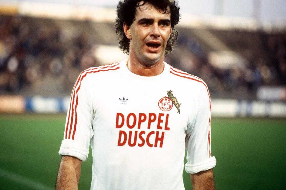 Gerhard Strack (†64) spielte von 1974 bis 1985 für den 1. FC Köln und holte vier Titel mit dem Verein (Archivbild).