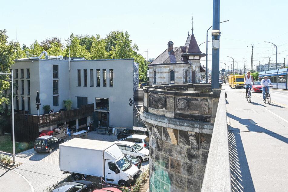 Die Eventlocation befindet sich auf der Devrientstraße, direkt an der Marienbrücke.